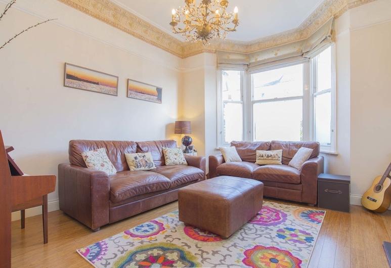 วีฟ - เดอะ แชนเดอเลียร์, ลอนดอน, บ้านพัก, 4 ห้องนอน (Narcissus Road), ห้องนั่งเล่น