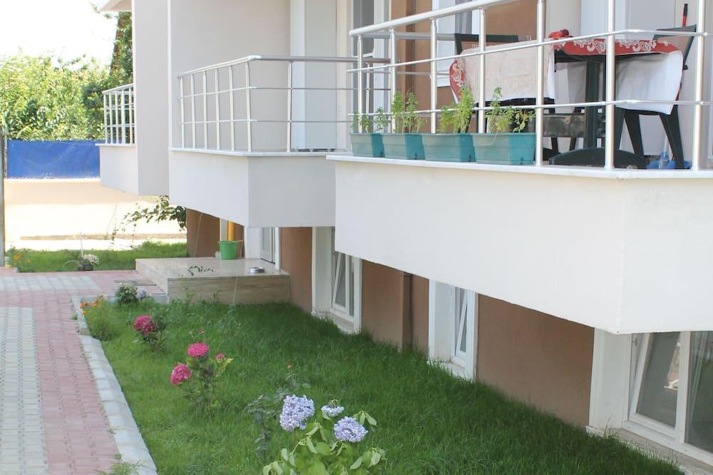 Basic Studio, 1 Double Bed - Balcony