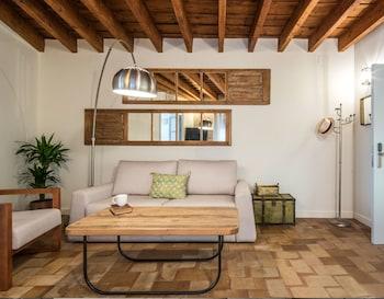 Picture of Santa María Apartamentos in Seville