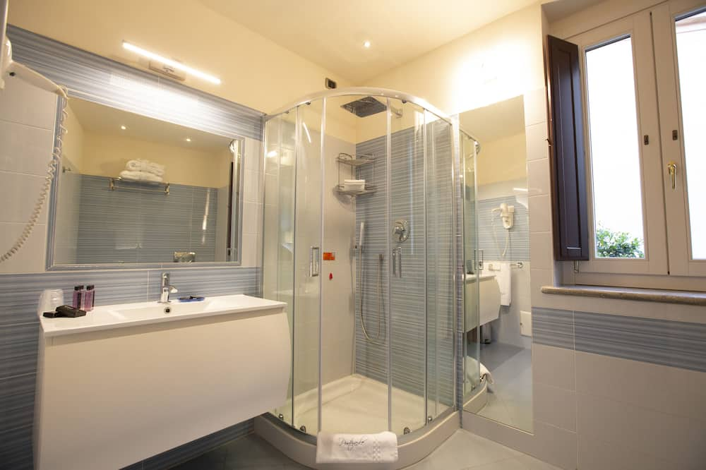 舒適雙人房, 陽台, 城市景觀 - 浴室