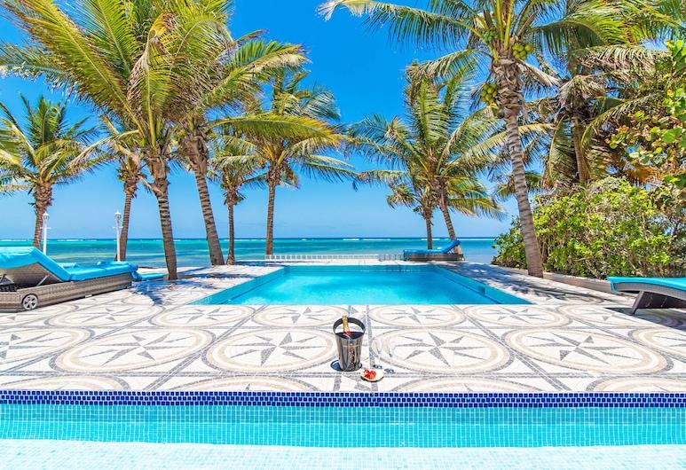 Sprat Bay Luxury Villa, George Town, Välibassein