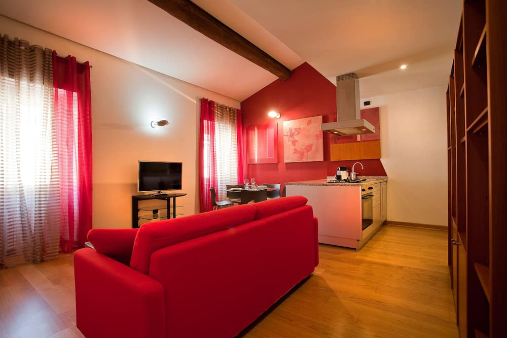 Superior Apartment, 1 Bedroom, Kitchenette, Tower - Living Area