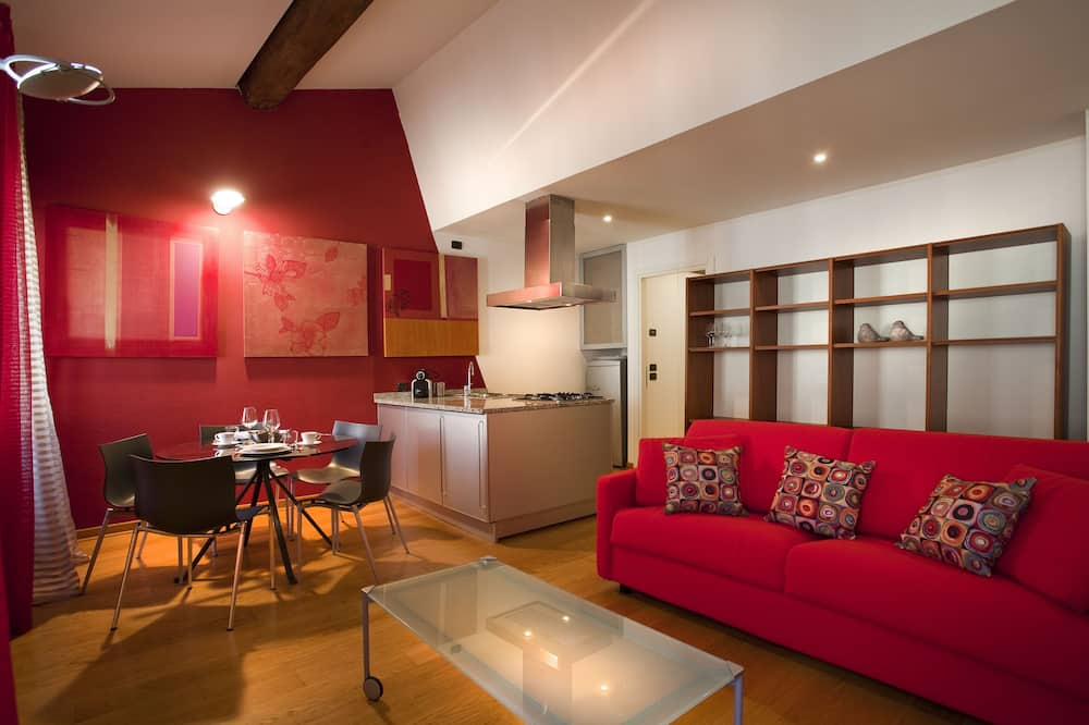 Superior Apartment, 1 Bedroom, Kitchenette, Tower - Street View