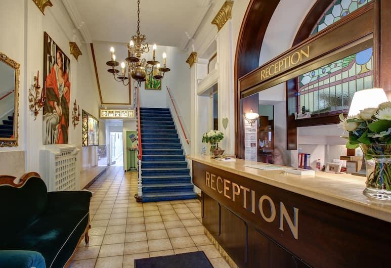 布蘭肯堡中央酒店, 卡爾斯魯, 櫃台