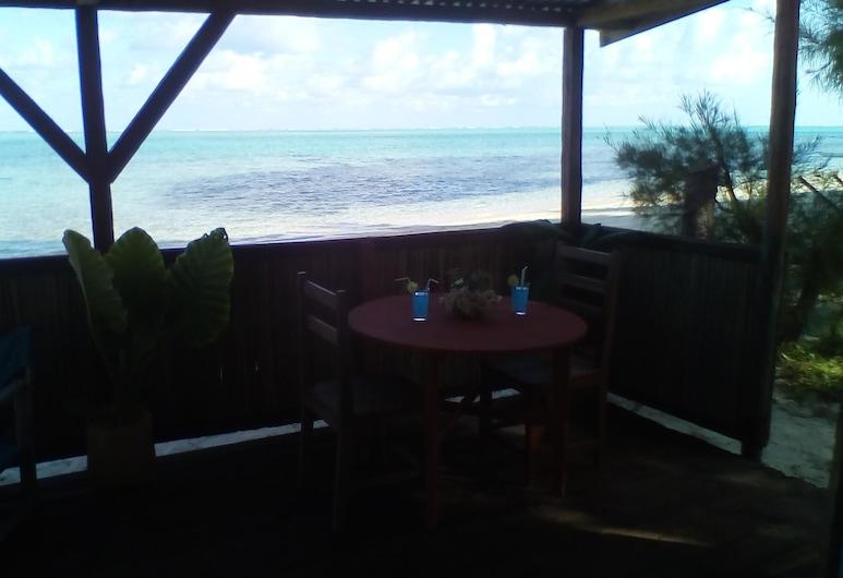 Paradisa Hotel, Isla Santa María