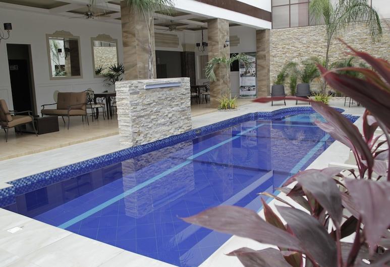 格林斯菲爾德世襲飯店, 瓜亞基爾, 室外游泳池