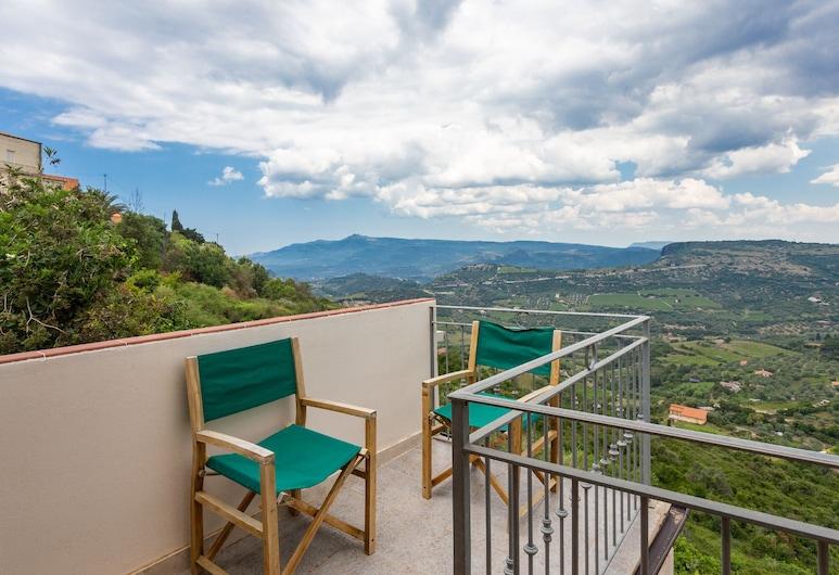 Min personlig innredet for meg hytte i bella Sardegna, Magomadas, Balkong
