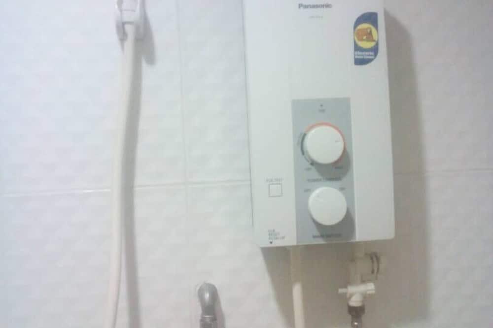 Superior Room - Bathroom Shower