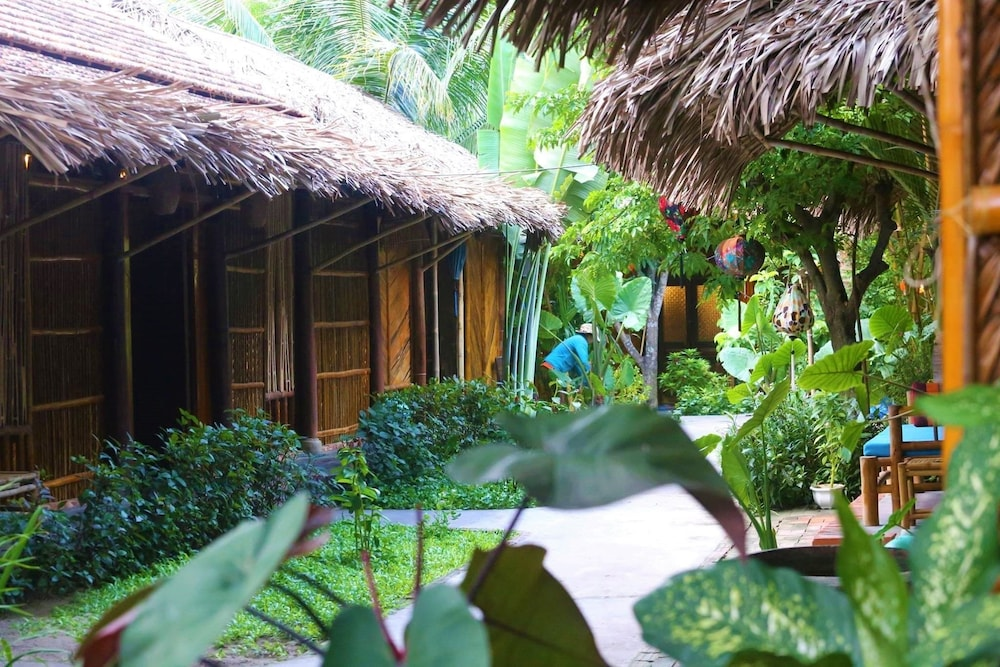 under the coconut tree hoi an vietnam hoi an hotel discounts