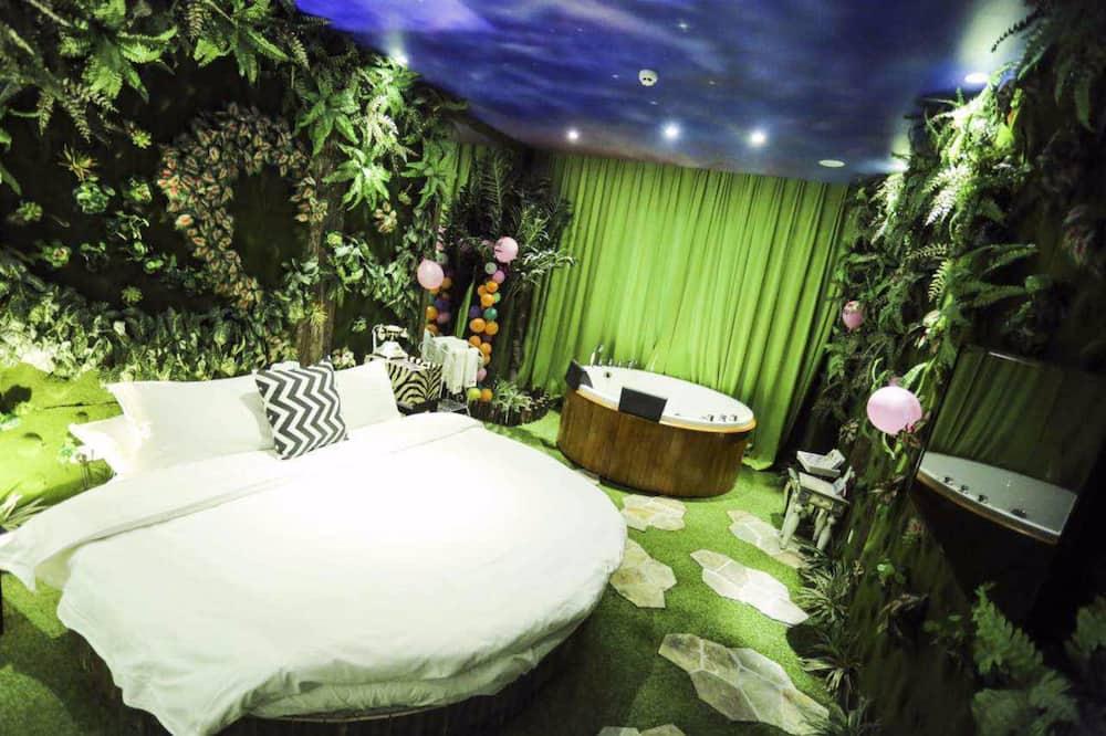 Traditional Queen Room  - Guest Room