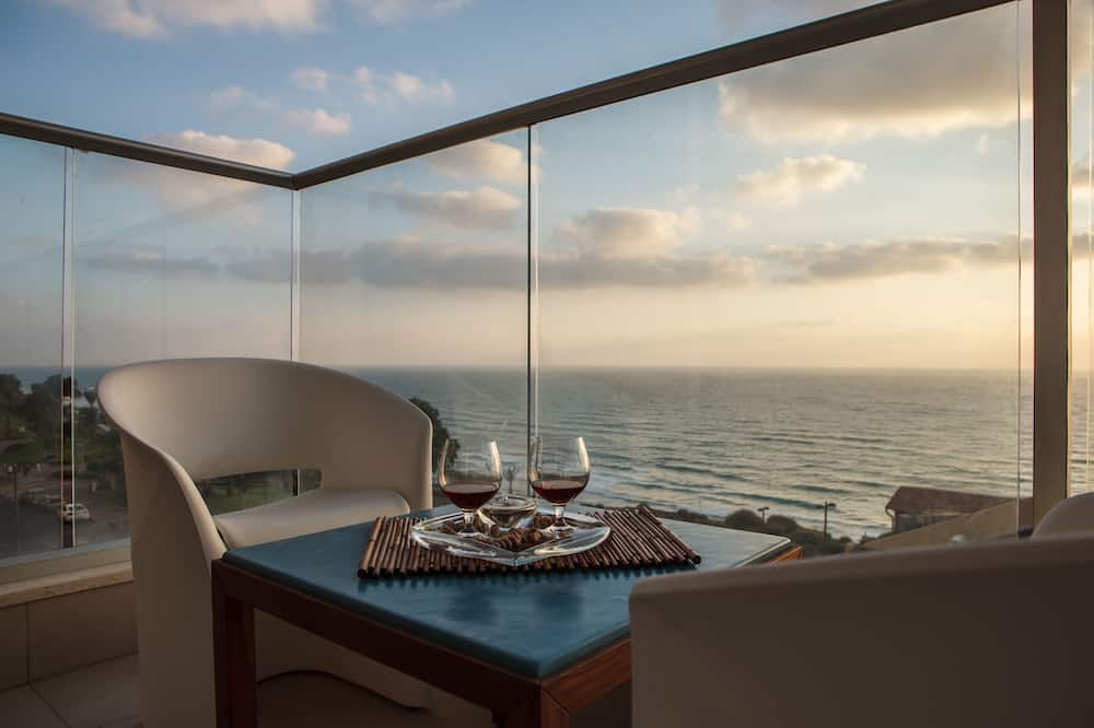 Panoramic Deluxe Room with Balcony and Sea View - Bild