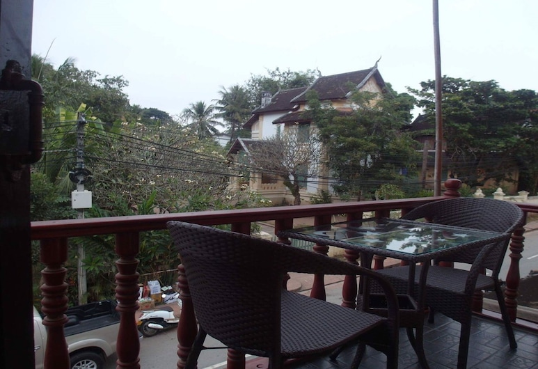 Kinnaly Place House, Luang Prabang, Deluxe Double Room with Balcony, Balkon