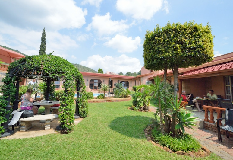 Valley View Guest House, Moses Kotane