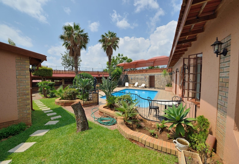 Valley View Guest House, Moses Kotane, Property Grounds