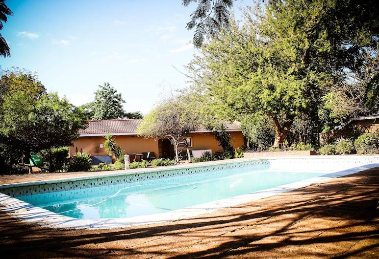 River-Ridge Guest House, Gaborone, Pool