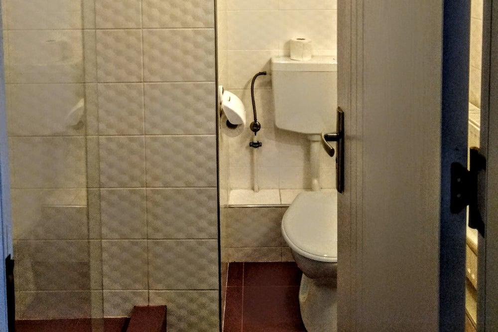 חדר יחיד - מתקני חדר הרחצה