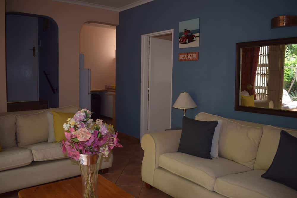 Familien-Studiosuite, 2Queen-Betten, 2 Bäder, Gartenblick - Wohnbereich