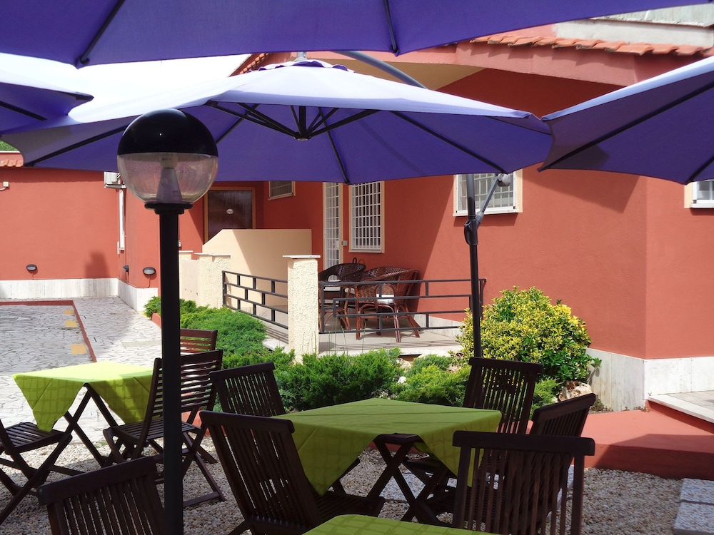 Book Albis Rooms Guest House in Rome | Hotels.com