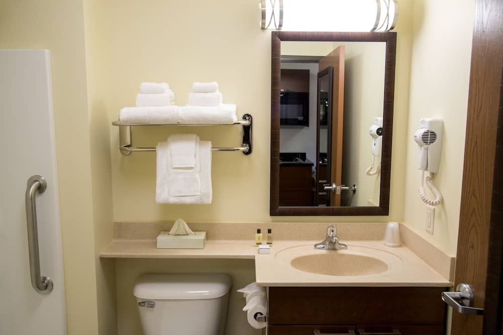 Room, 2 Queen Beds (Hearing Impaired with Recliner) - Bathroom