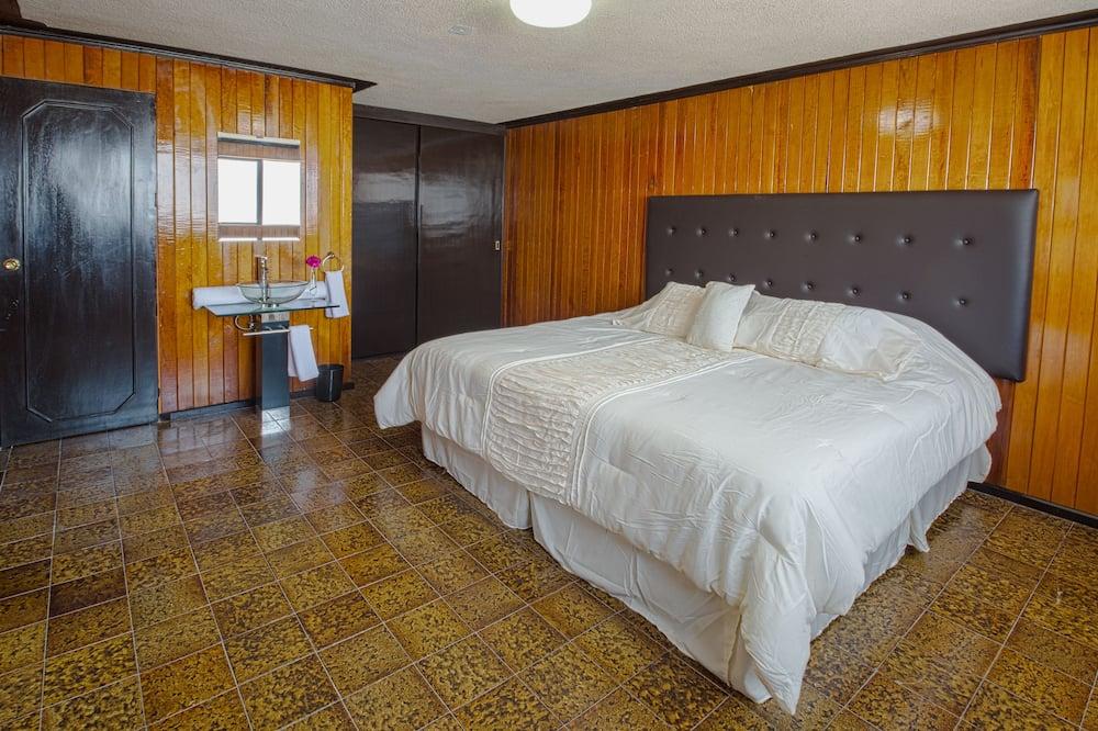 Comfort Room, 1 King Bed (Wood Room) - Guest Room