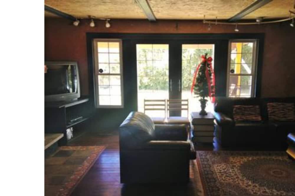 Házikó, 3 hálószobával, pezsgőfürdő - Nappali rész