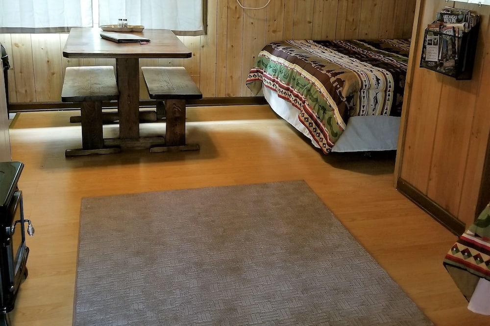 Cabin 2 - Living Area