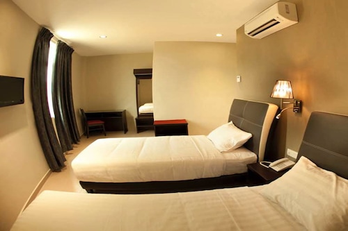 โรงแรมอาเยอร์
