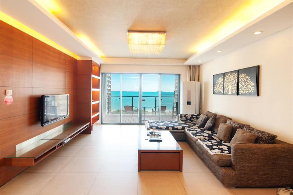 Deluxe Apartment, 2 Bedrooms(Mainland Chinese Citizen Only) - Living Room