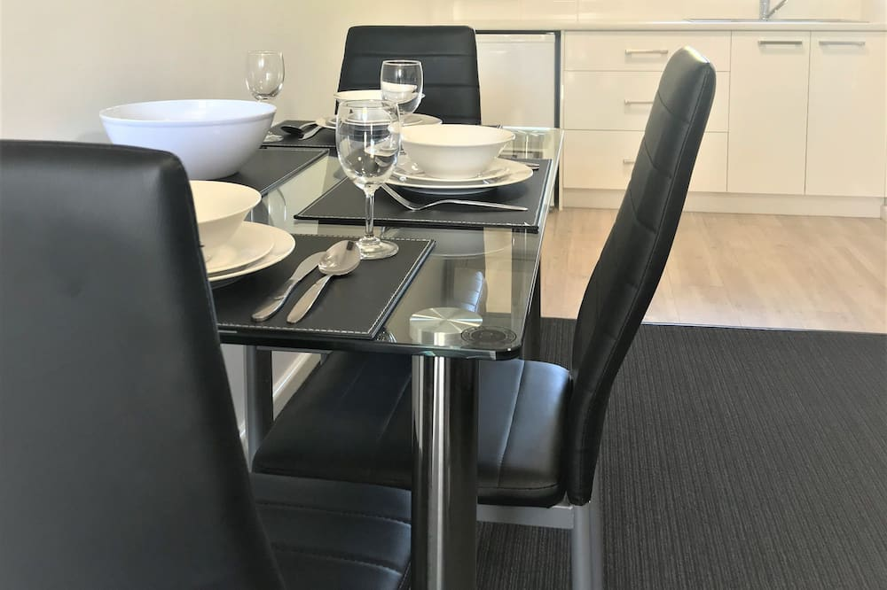 Deluxe Twin Room, Kitchenette - In-Room Dining