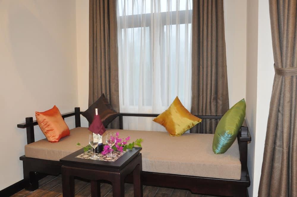 Deluxe Δίκλινο Δωμάτιο (Double ή Twin), Μπαλκόνι, Θέα στην Πόλη - Περιοχή καθιστικού