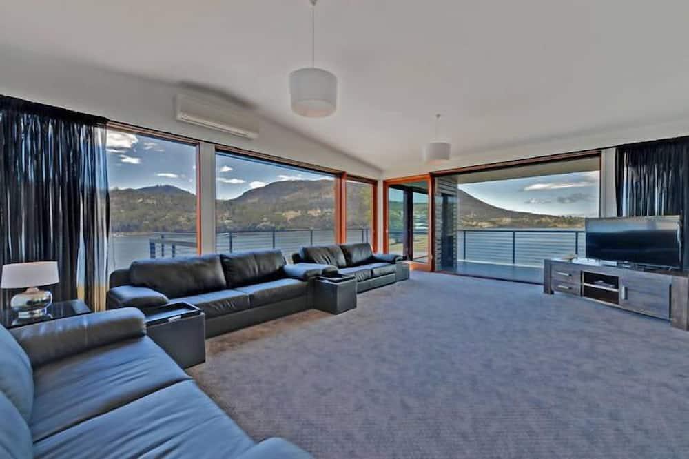 Luxusní domek, více ložnic - Obývací prostor