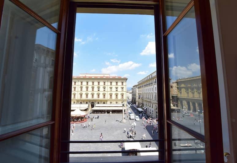 KF Deluxe B&B, Florencia, Izba typu Deluxe, 1 extra veľké dvojlôžko s rozkladacou sedačkou, výhľad na mesto, Výhľad z hosťovskej izby