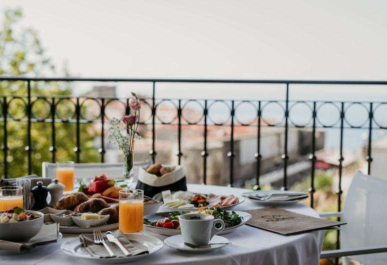 Hotel Majestic, Budva, Hommikusöögi ruum