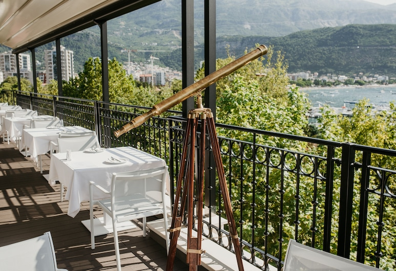 Hotel Majestic, Budva, Outdoor Dining