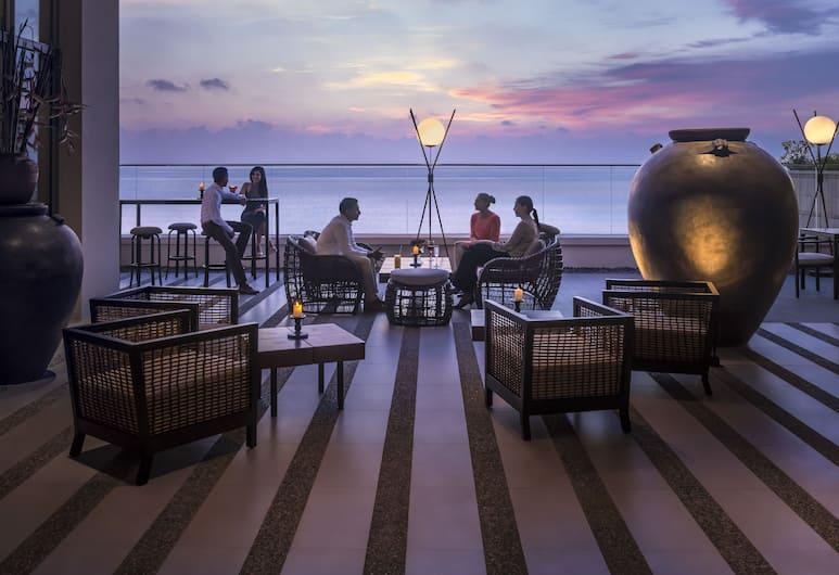 Shangri-La Hotel, Colombo, Colombo, Bar hotelowy