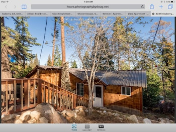 Picture of Treetop Cabin in Auberry