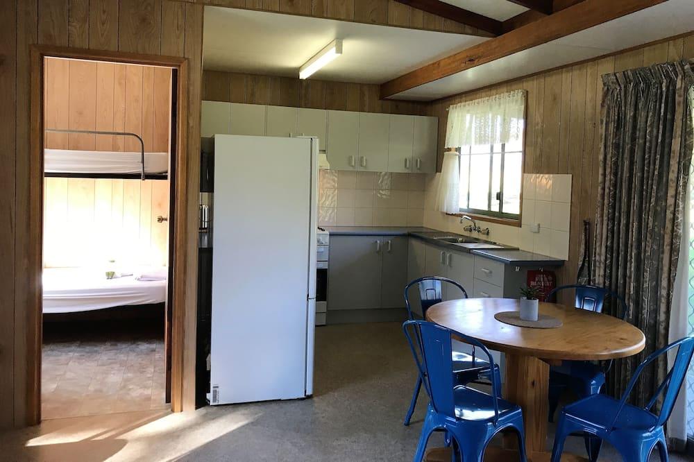 Cabaña, 2 habitaciones, baño privado - Servicio de comidas en la habitación