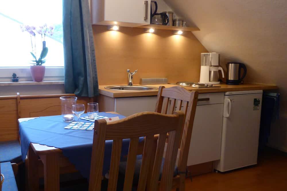 Leilighet, 1 soverom, hageområde - Bespisning på rommet