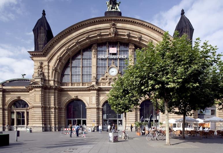 Hilton Garden Inn Frankfurt City Centre, Frankfurt, Hotelgelände