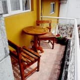 Deluxe Suite, 1 King Bed, Private Bathroom - Balcony