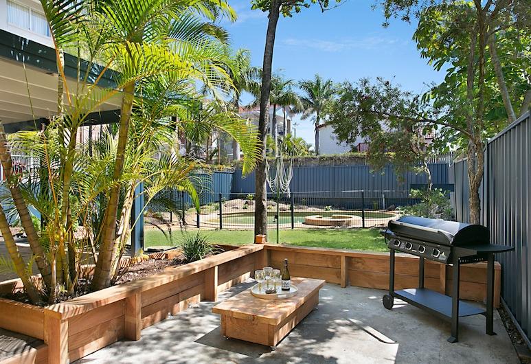 Petrel By The Sea, Mermaid Beach, Casa Deluxe, 5 habitaciones, vistas a la piscina (3 Queen, Bunk + 2 Triple-bunk), Terraza o patio