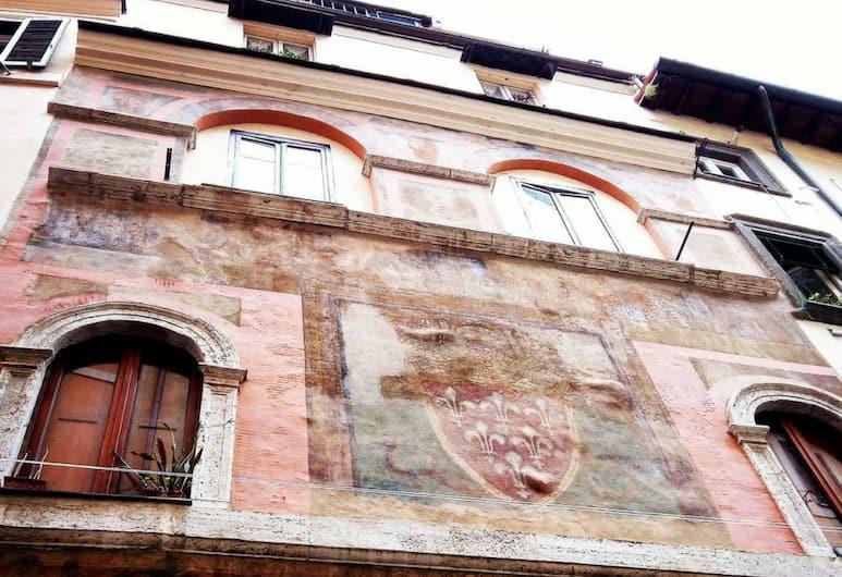 Démodé Holiday, Rome, Exterior