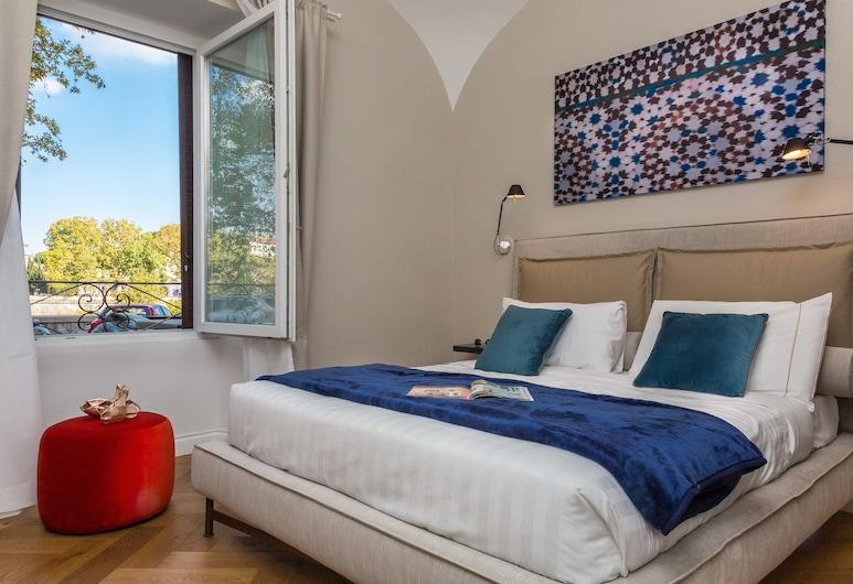 特拉斯提弗列帕拉佐帕吉旅館, 羅馬, 特級雙人或雙床房, 1 張加大雙人床, 私人浴室, 河景, 客房