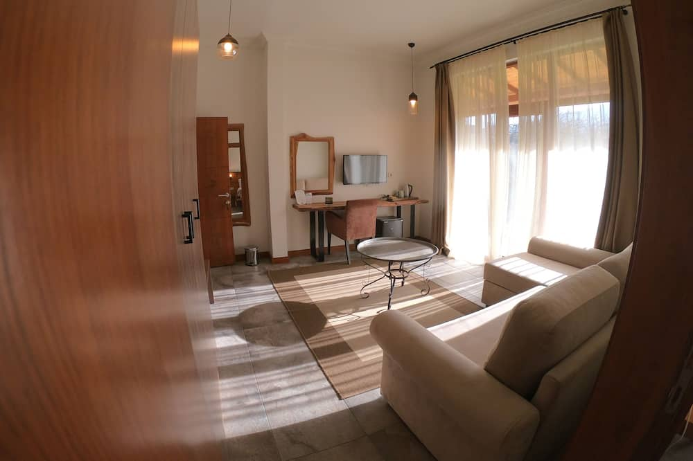Suite, Corner - Living Area