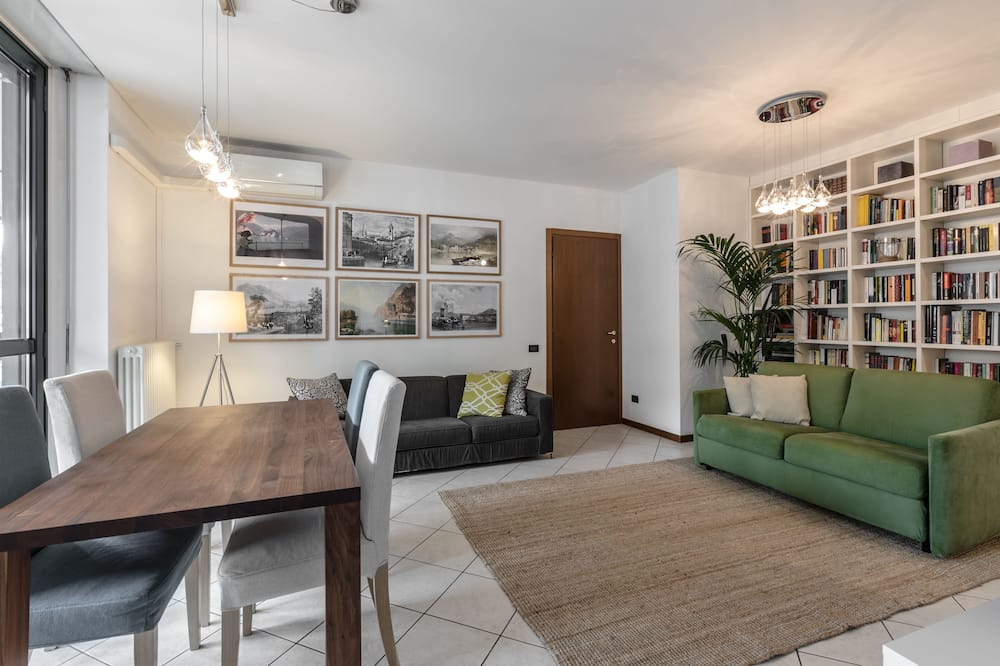 City Apartment, 2 Bedrooms, Accessible - Living Area
