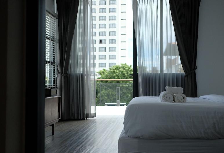 Iron32 Hotel, Chiang Mai, Chambre Romantique, 1 très grand lit, vue ville, Chambre