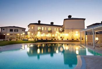 Picture of Triangulo Hotel in Cesme