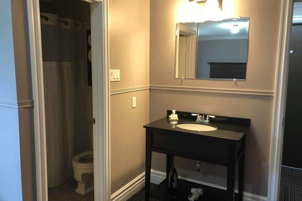 Pokoj, dvojlůžko (180 cm) - Koupelna