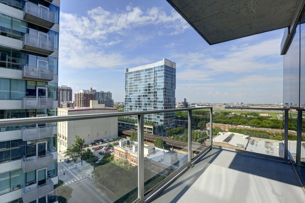 Stay Alfred Apartments On Wabash Chicago Standard Apartment 1 Bedroom Balcony