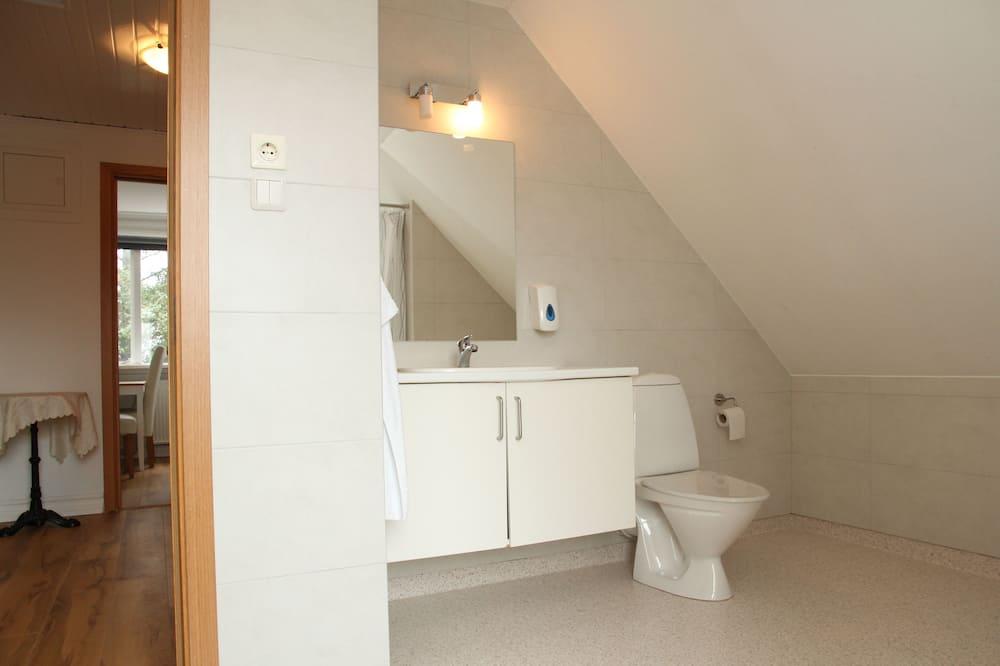 Camera con 2 letti singoli, bagno condiviso - Bagno
